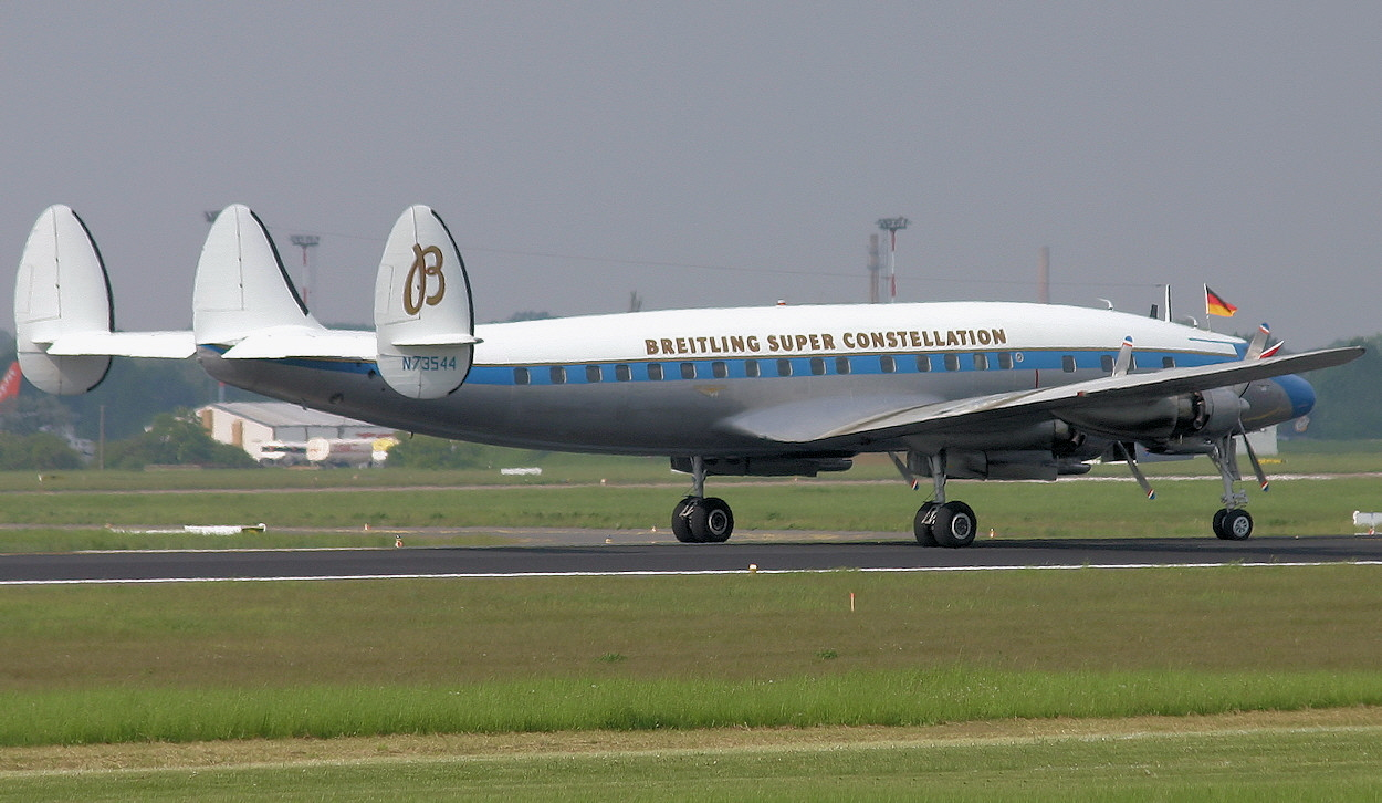 Lockheed L-1049 - Super Constellation