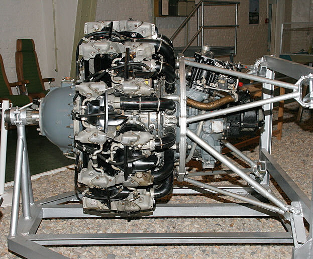 Pratt and Whitney Twin Wasp R-1830-90