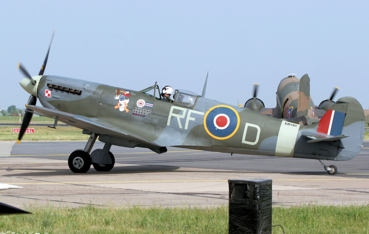 Supermarine Spitfire - Battle of Britain Memorial Flight