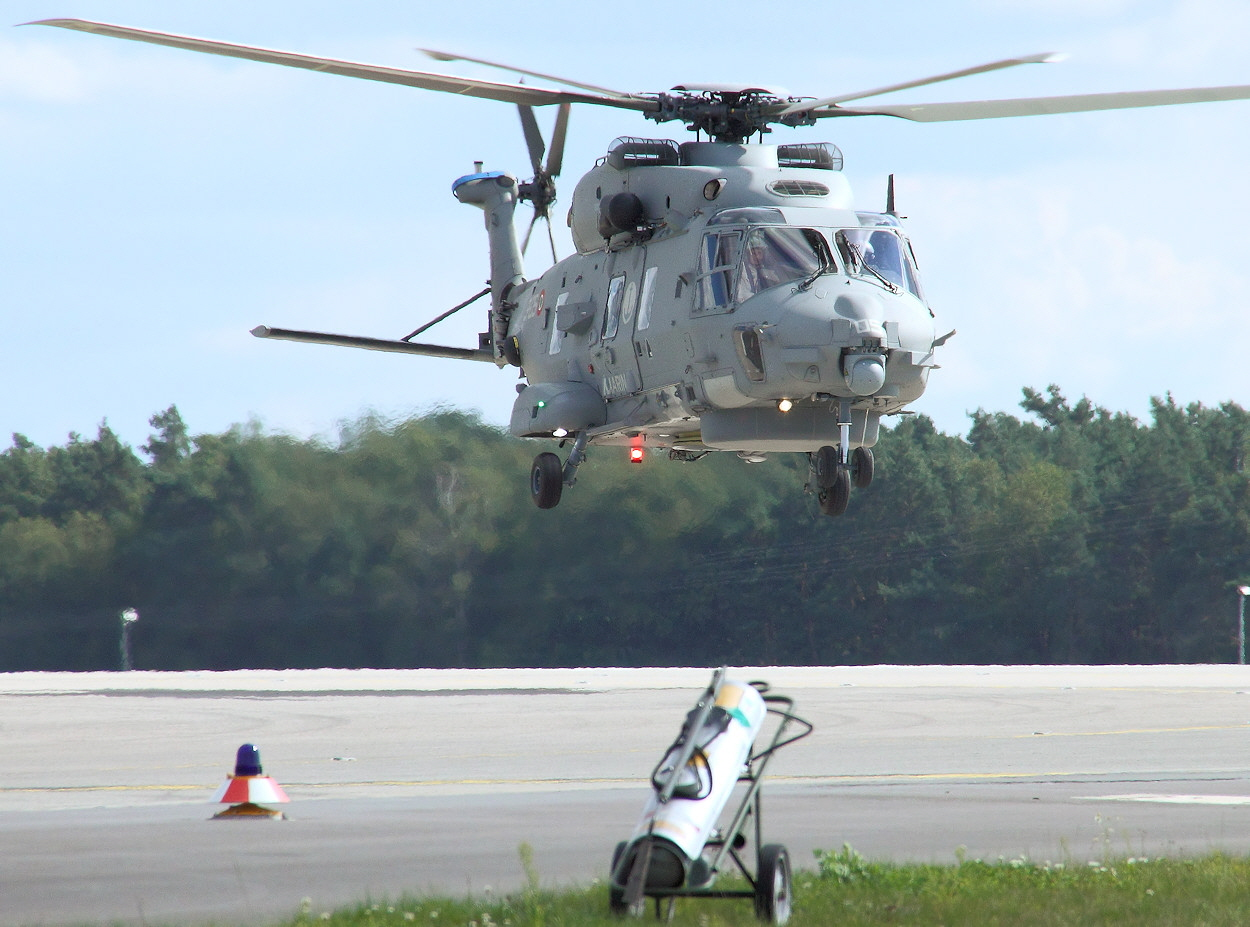 NH90 NTH Sea Lion - Landeanflug