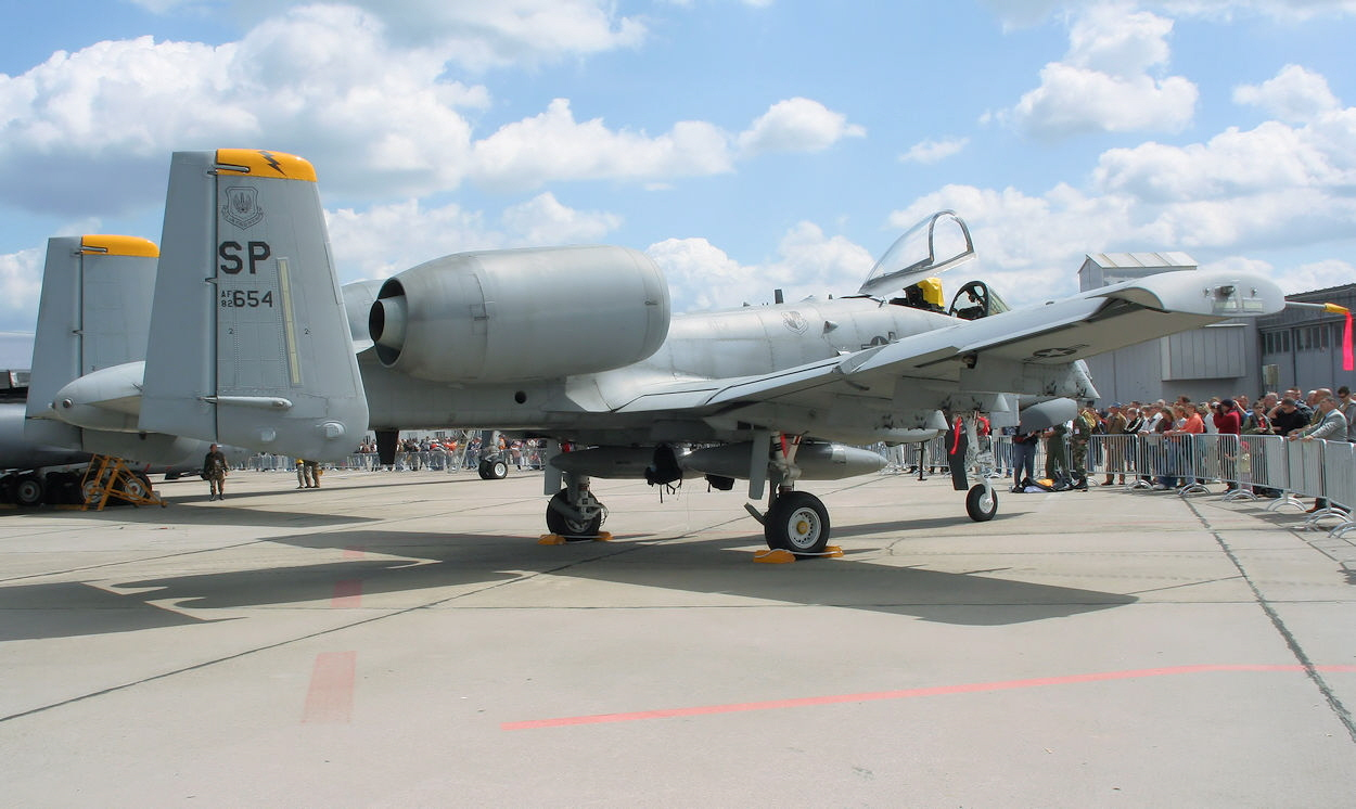 Fairchild-Republic A-10 - Rollfeld