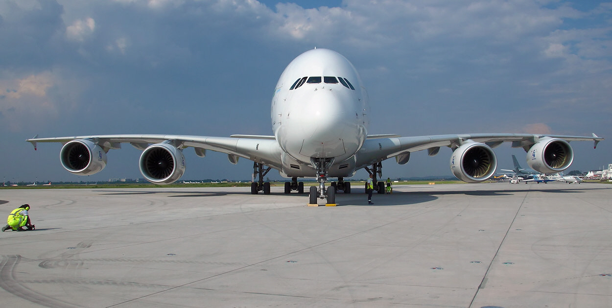 Airbus A380 - Frontansicht