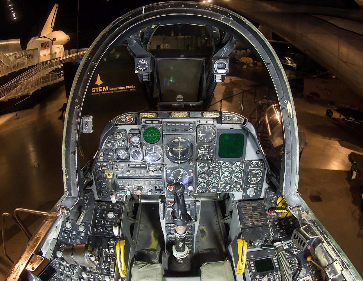 Fairchild-Republic A-10 -Cockpit